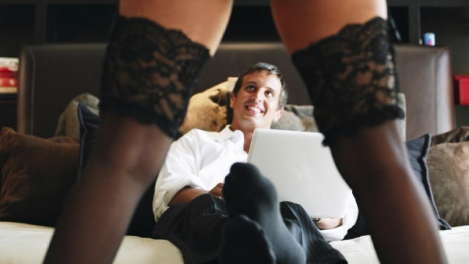 Развенчаваме митовете относно какво искат мъжете в леглото!