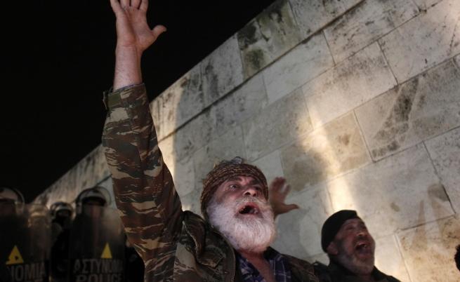 Гръцки икономист: Не се вижда решение на кризата