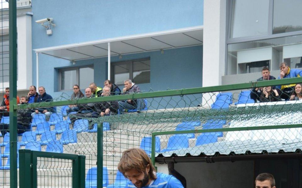 Двама от школата на ПСЖ дебютираха за Локо Мездра