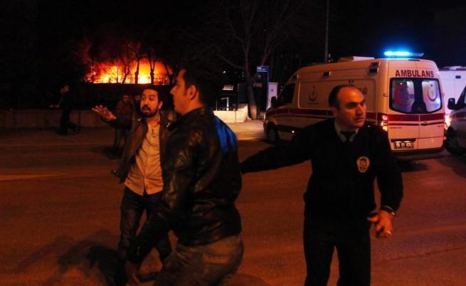 Мощен взрив разтърси Анкара, има десетки жертви