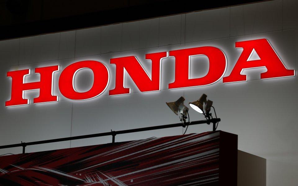 Хонда се дразни от слуховете за нови мъки с двигателя им