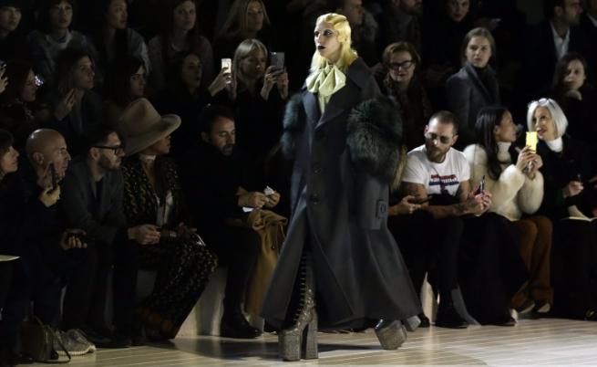 Лейди Гага дефилира на закриването на Седмицата на модата в Ню Йорк