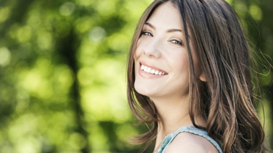 Жените изглеждат 20 години по-млади, когато стоят далече от слънцето