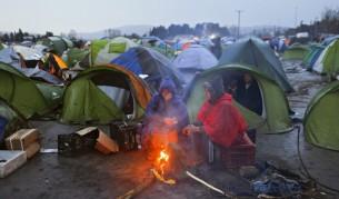 Така изглежда лагерът. Над Идомени не спира да вали