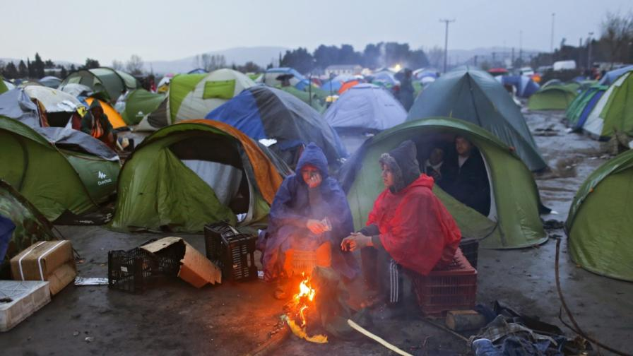 """Гърция между ужаса в """"Идомени"""" и кредиторите"""