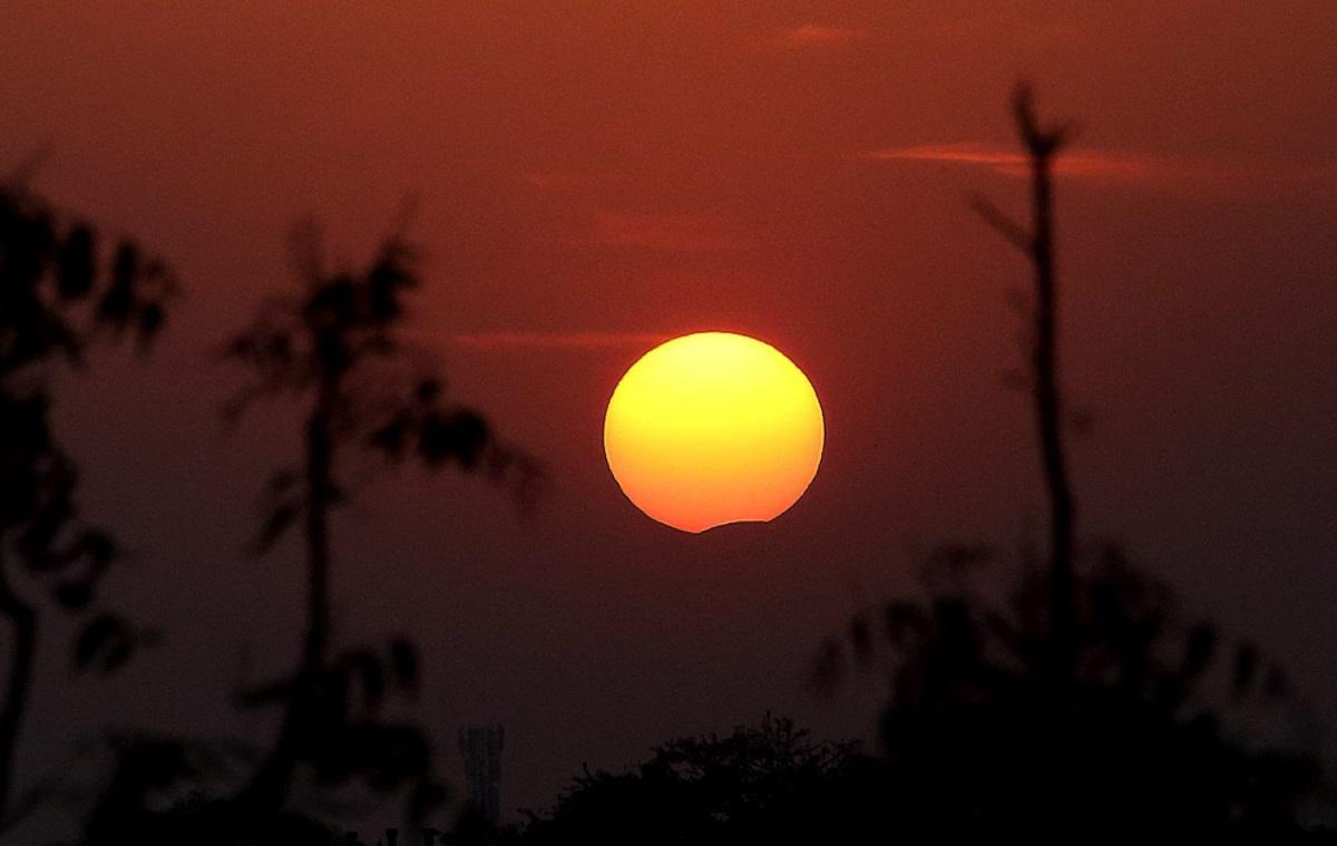 Частично слънчево затъмнение в Индия
