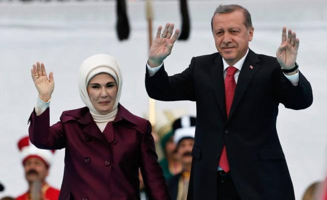 Жената на Ердоган: Харемът е бил школа за жените