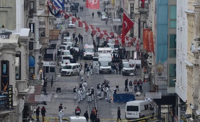 Две противоречащи си версии за кървавия атентат в Истанбул