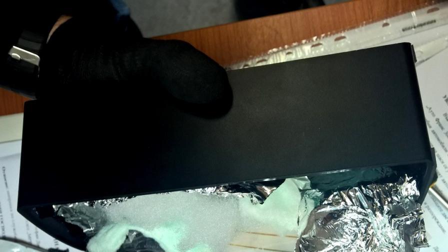 Митничари удариха канал за кокаин през България на Аерогара София