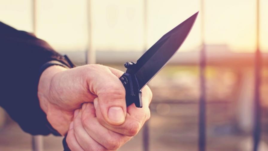 <p>Нападение с нож в автобус в София, един ранен</p>