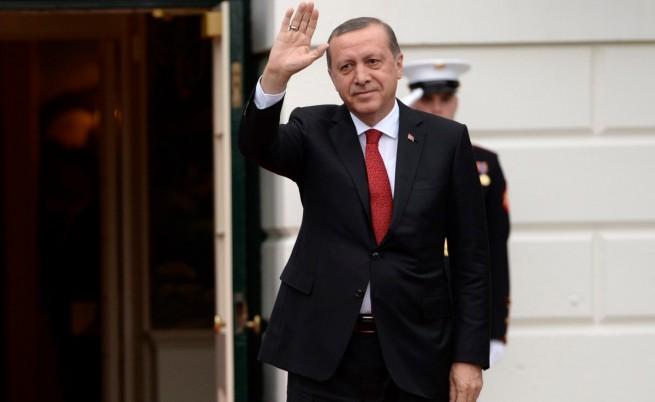 """Посрещнаха Ердоган в САЩ с """"Турски терорист"""""""