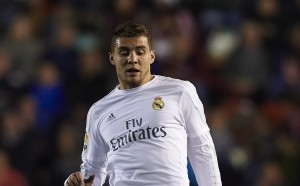 Юве сложи на масата 75 милиона евро за халф на Реал