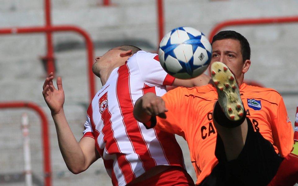 ЦСКА допусна два гола, но отново разгроми съперник