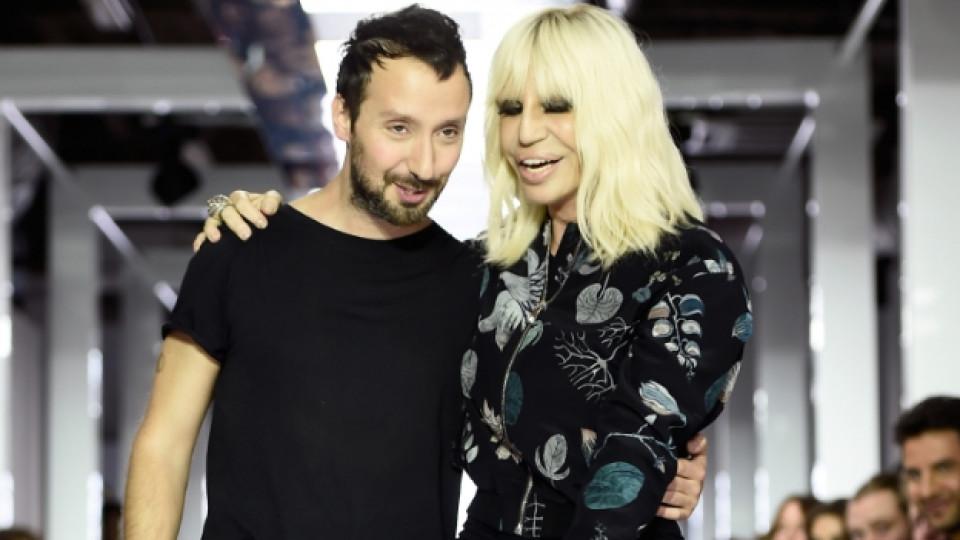 Антъни Вакарело заедно с Донатела Версаче по времето, когато работиха заедно