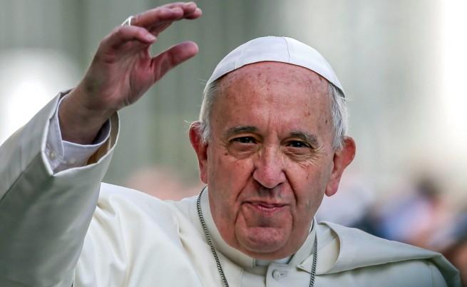 Папата: Сексът е дар от Бога, а не табу
