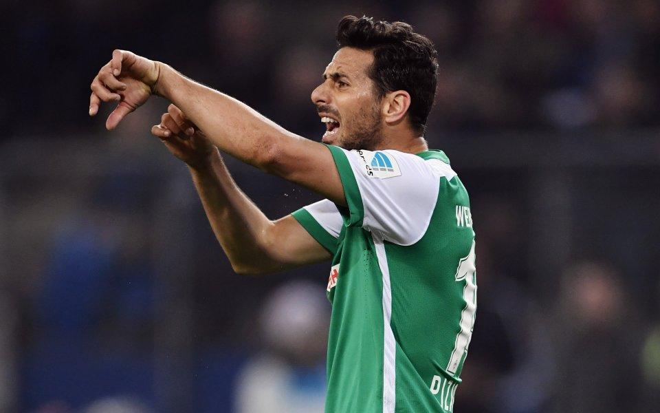Най-възрастният футболист в Бундеслигата Клаудио Писаро няма намерение да прекратява