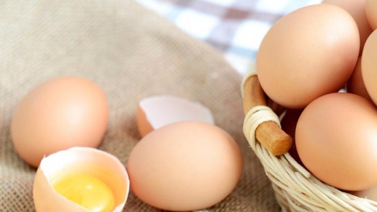 Как да разберете дали яйцата са пресни – лесен тест с чаша вода