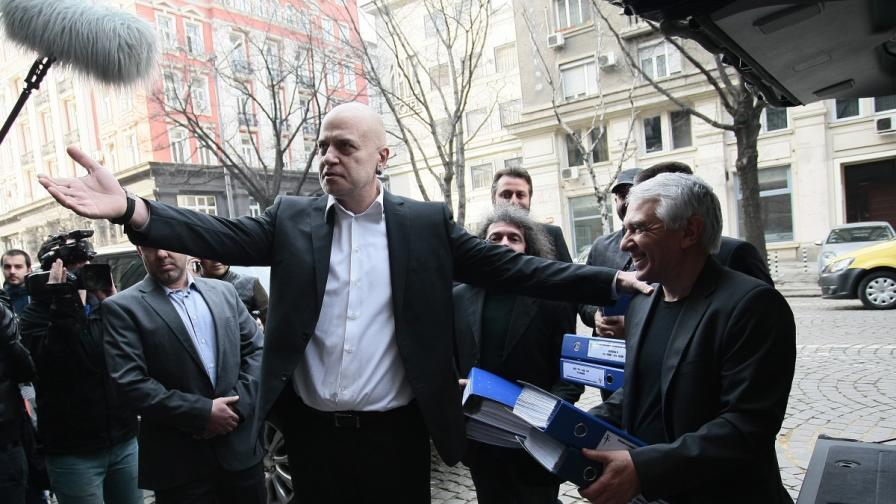 Независим депутат: Слави Трифонов работи за Борисов