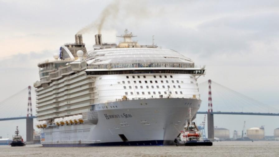 Вижте отвътре най-големия круизен кораб в света