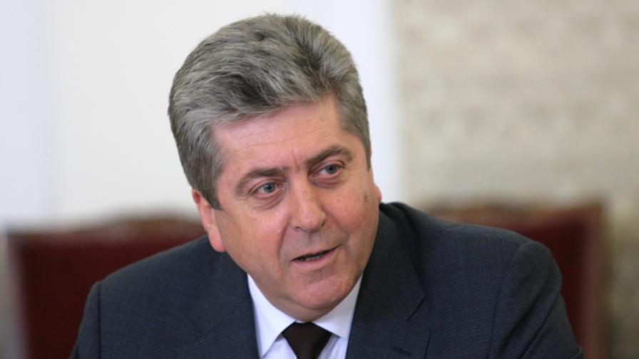Първанов се оттегля от АБВ