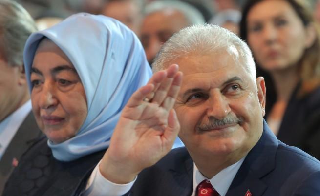 Ердоган възложи на Йълдъръм да състави ново правителство