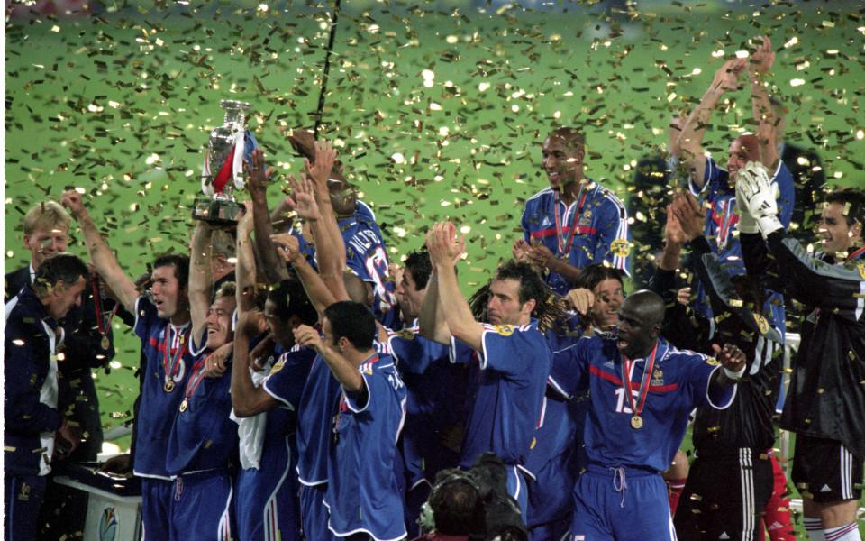 Евро 2000 – Белгия и Холандия