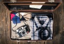 Страшно хитро: Много багаж в малък куфар (видео)