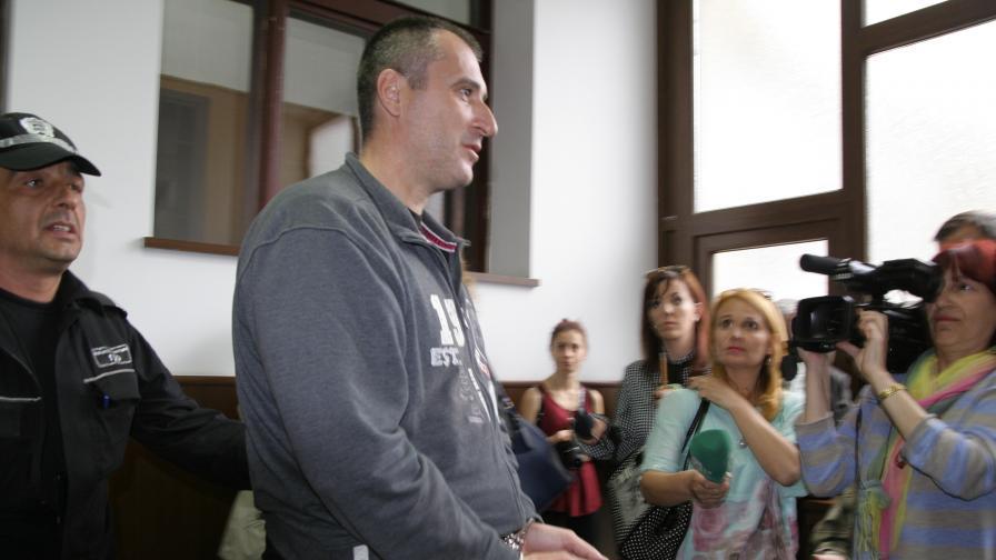 Обвинение и за сина на полицая от Пловдив