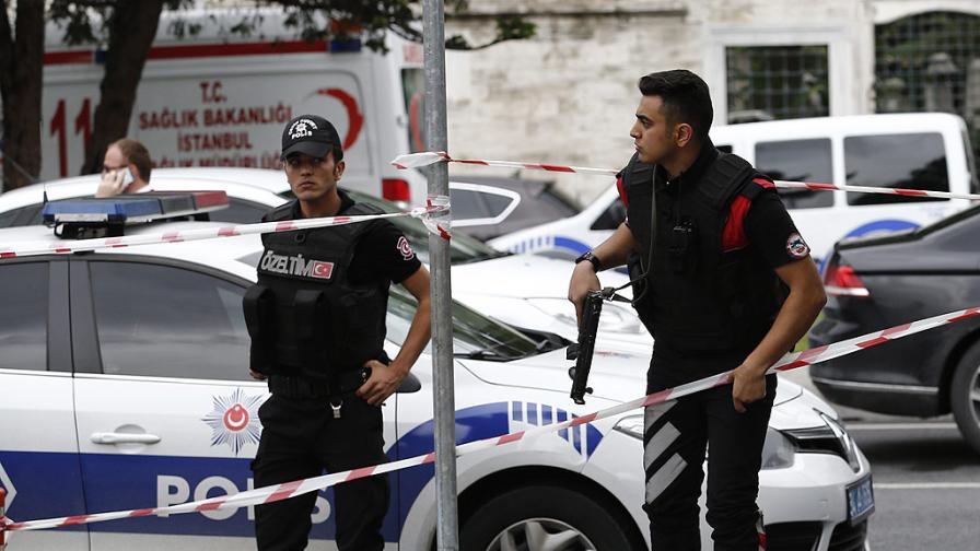 11 жертви и 78 ранени при атентат в Турция