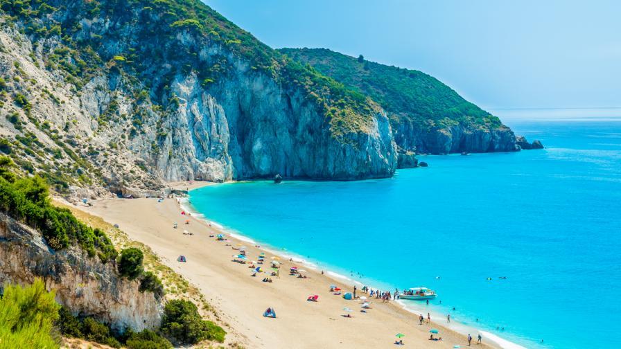 Нова вълна на коронавируса, Гърция пуска само българи и влизащи от България