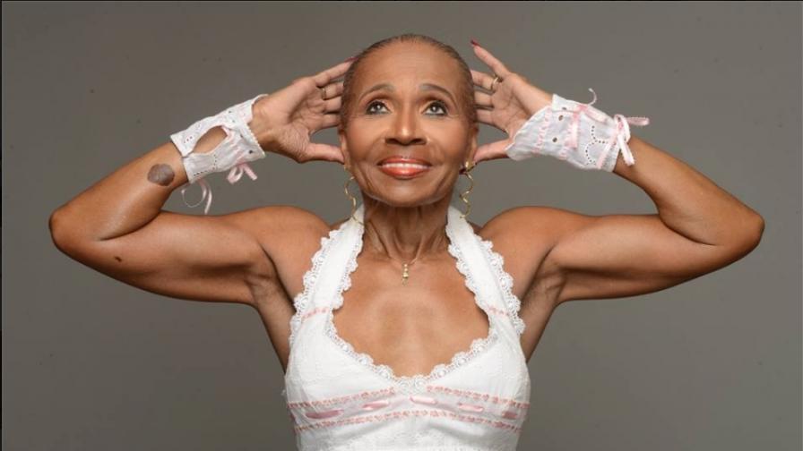 Тя е на 80 г., с тяло на 20-годишна