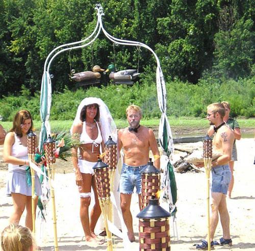 Сватба на плажа. Така ли си я представяхте?