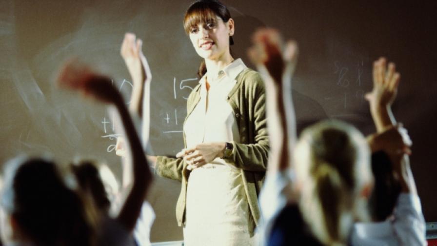 Учители, ученици и родители в обща национална мрежа