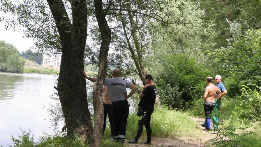 Откриха тялото на удавеното в Марица момче
