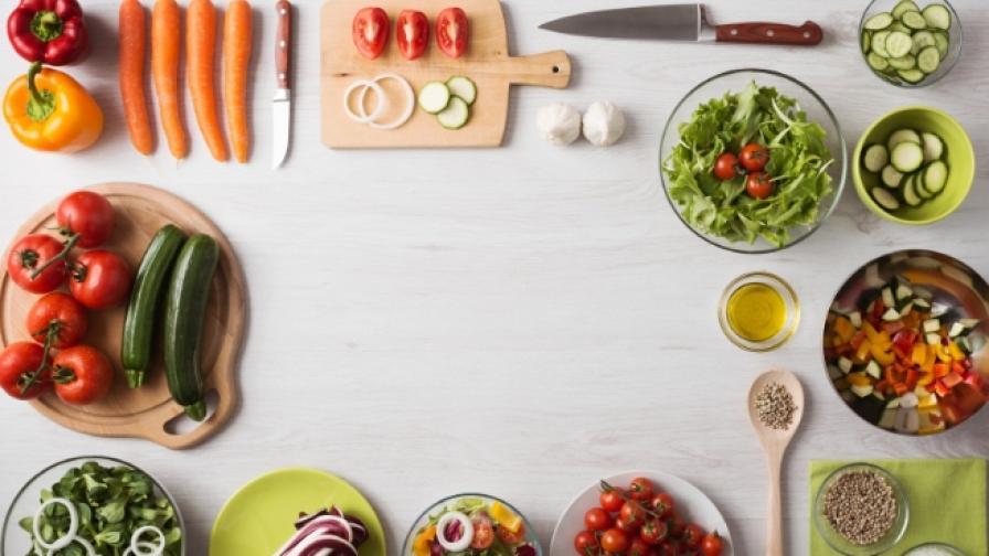 Кои зеленчуци са по-полезни сготвени, отколкото сурови
