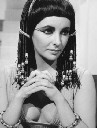Елизабет Тейлър в ролята на Клеопатра