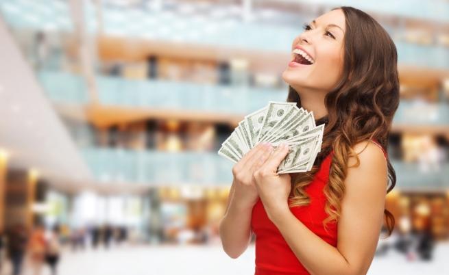 Какво предпочиташ - да пестиш сега и да харчиш парите си след време, или според теб сега е моментът да се наслаждаваш на живота, а за спестяването ще мислиш след няколко години?