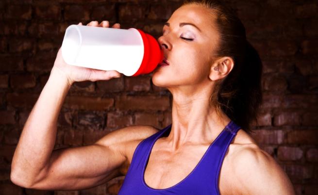 Истината за протеина на прах и полезен ли е за дамите
