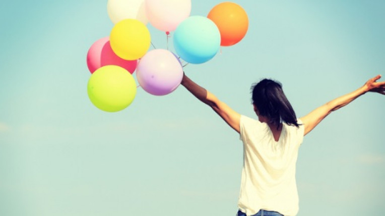 жена балони радост усмивка