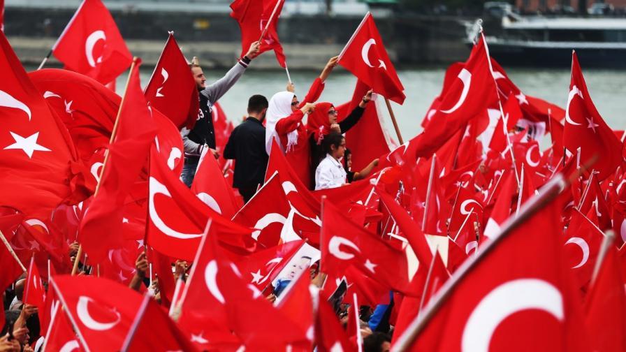 Еврокомисар: Турция няма да влезе в ЕС с Ердоган