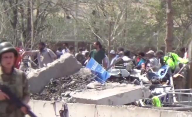 Шест жертви, сред които дете, при атентат в Диарбекир