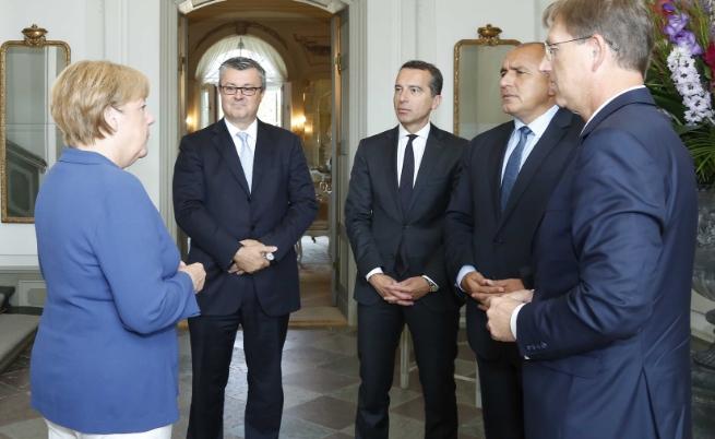 Бойко Борисов се срещна с канцлера на Германия Ангела Меркел. В разширените дискусии участваха и министър-председателите на Хърватия, Словения и Австрия. Разговорите са част от работните консултации за бъдещето на Европейския съюз, инициирани от канцлера на Германия.