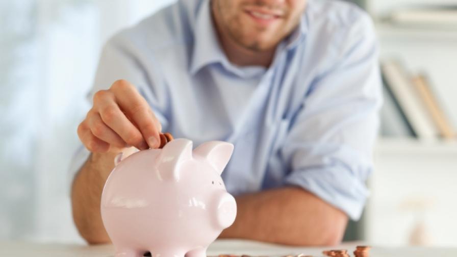 За първи път средната заплата e четирицифрено число
