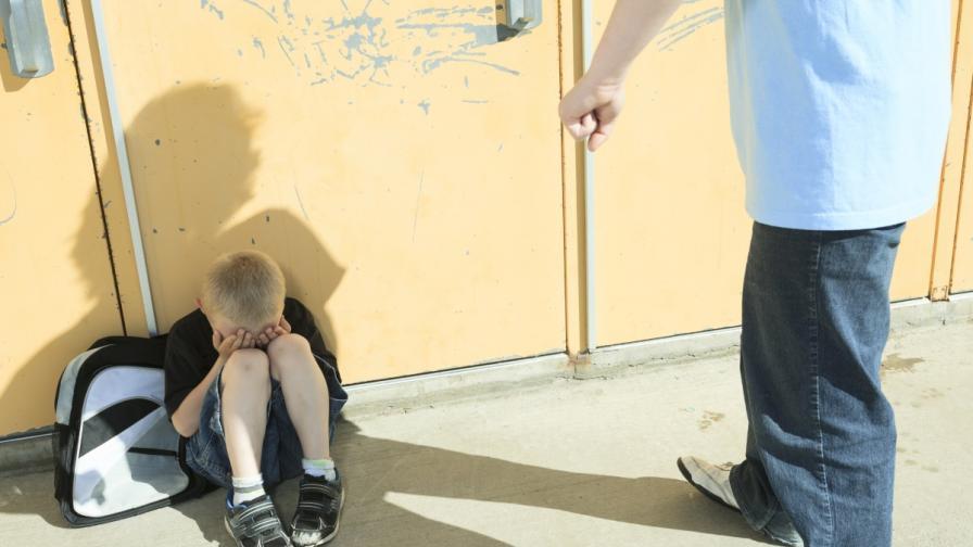 40 сигнала на ден за насилие над деца