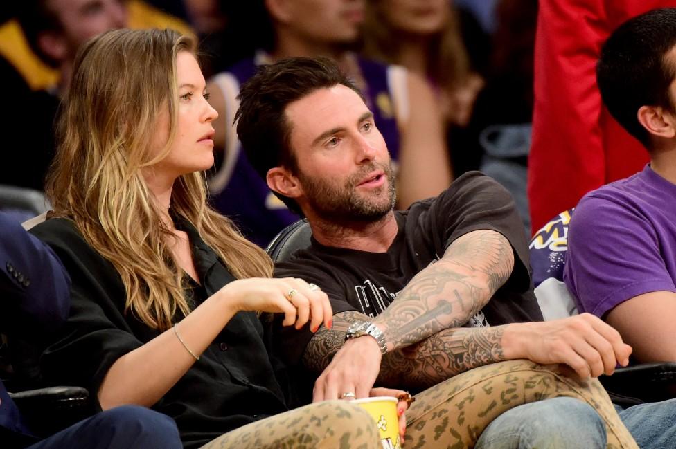 - Вокалистът Адам Ливайн от групата Maroon 5 и дългогодишната му приятелка моделката Беати Принслу, станаха родители за първи път. Щастливата двойка...