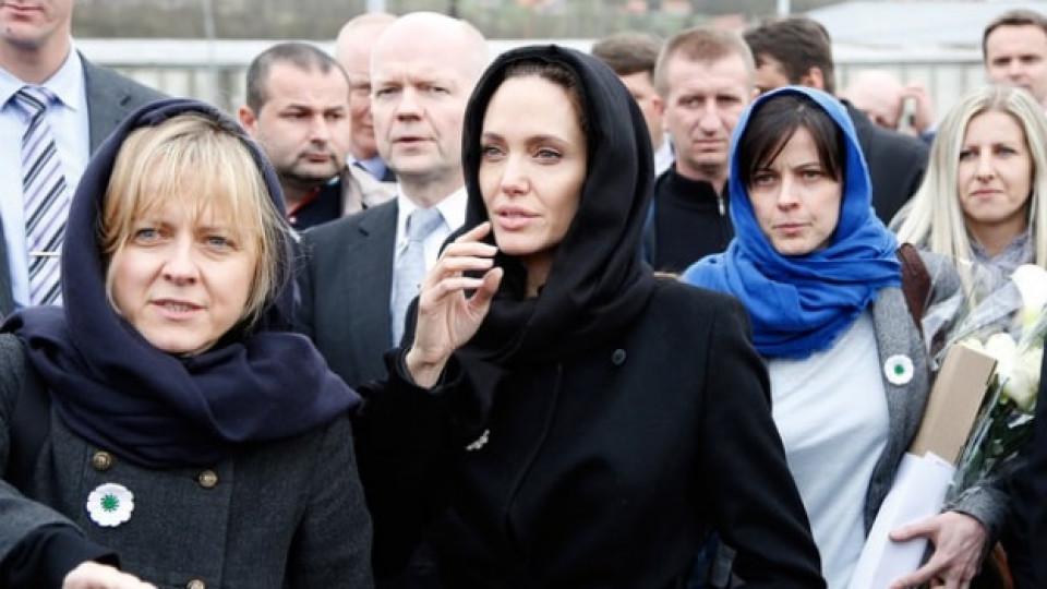 Това ли са жените, които разделиха Брад и Анджелина?