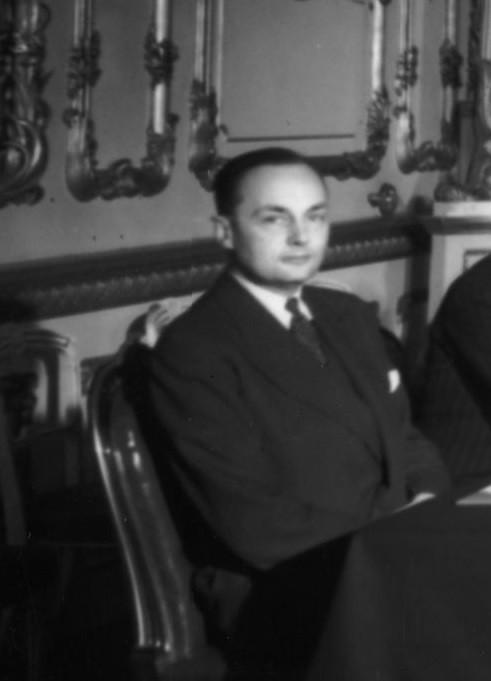 - Гледуин Джеб - изпълнява длъжността Генерален секретар на ООН от 24 октомври 1945 г. до 1 февруари 1946 г.