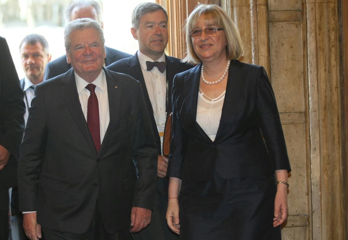 Цецка Цачева посреща в НС президента на Германия Йоахим Гаук