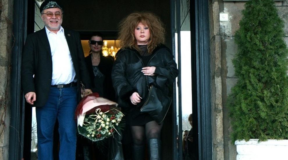 Алла Пугачова сключи църковен брак с Максим Галкин (СНИМКИ)