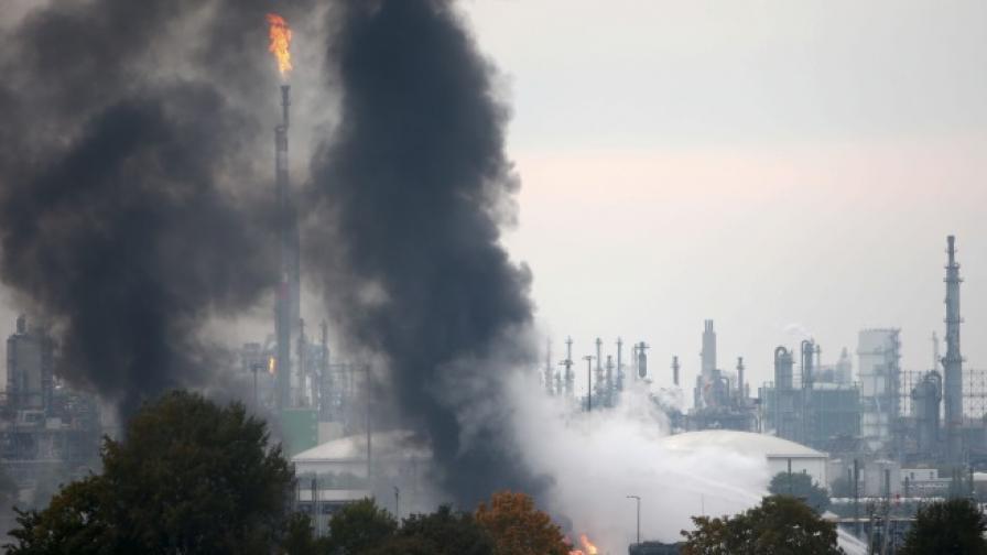 Взрив в химически завод в Германия, ранени и изчезнали